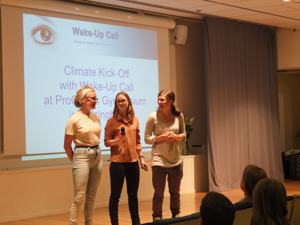 "Maja, Andréa and Lovisa introduce ""Redesign the World"" to the students"